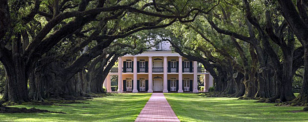 Oak Alley Plantation, Lousiana - Credit: Oak Alley Plantation