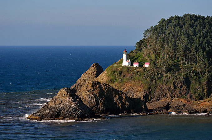 Haceta Head Light, nahe Florence, Oregon - Credit: Travel Oregon, Christian Heeb