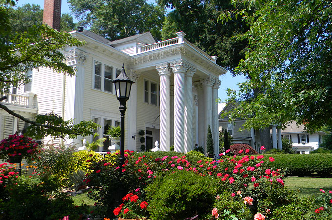 Grand Oaks, Cartersville, Georgia - Credit: Cartersville Bartow CVB