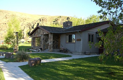 MT/Rocking Z Ranch/Cabin Aussen 340