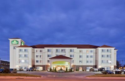 KS/Dodge City/La Quinta Inn & Suites/Aussen Nacht