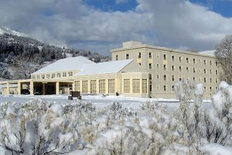 WY/Yellowstone National Park/Mammoth Hot Springs Hotel and Cabins/Hotel