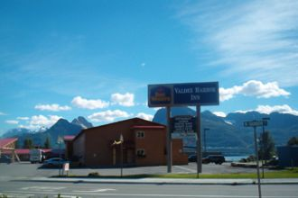 AK/Valdez/Best Western Valdez Harbor Inn/outside with sighn