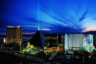 NV/Las Vegas/Luxor Hotel and Casino/Aussen/680