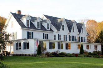 NH/New London/The Inn at Pleasant Lake/Aussen