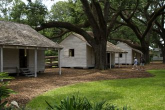 LA/Vacherie/Oak Alley Plantation/Slave Quarters