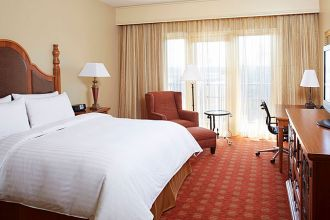 AL/Florence/Marriott Shoals Hotel & Spa/1 King Bett