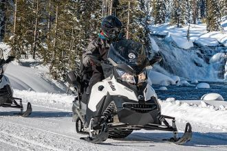 WY/Jackson/National Forest Snowmobile Tour - Togwotee High Mountain/ Nah